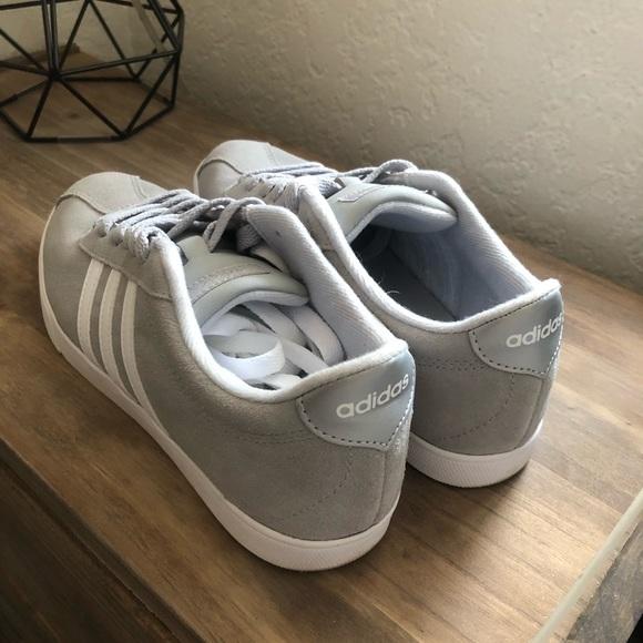 le adidas adidas adidas donne neo grey vantaggio poshmark striscia. 2aedf2